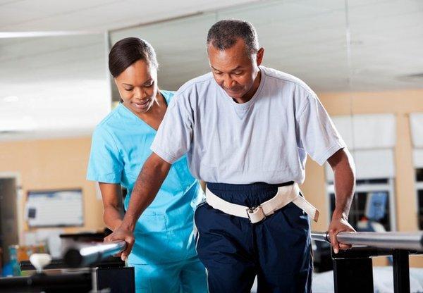 Top 6 bài tập phục hồi chức năng sau tai biến mạch máu não