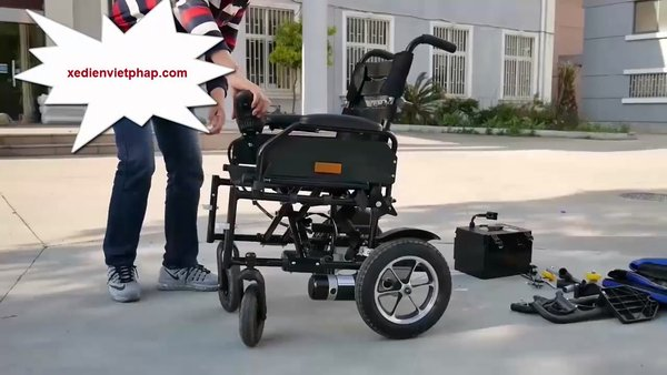 Cần lưu ý trong quá trình sạc điện xe lăn