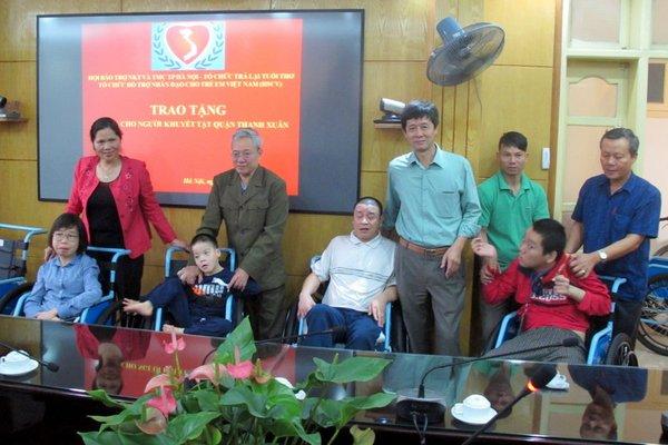 chương trình tặng xe lăn cho người khuyết tật quận Thanh Xuân 2017