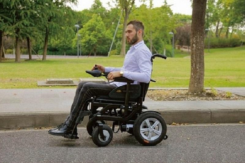 giá bán xe lăn cho người già, người khuyết tật