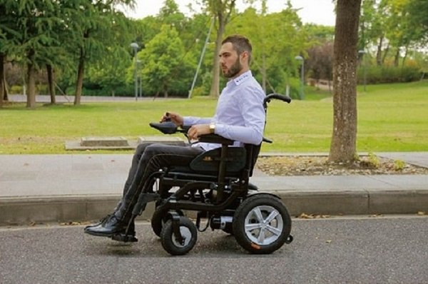 mẫu xe lăn điện giá rẻ hướng tới nhiều đối tượng sử dụng