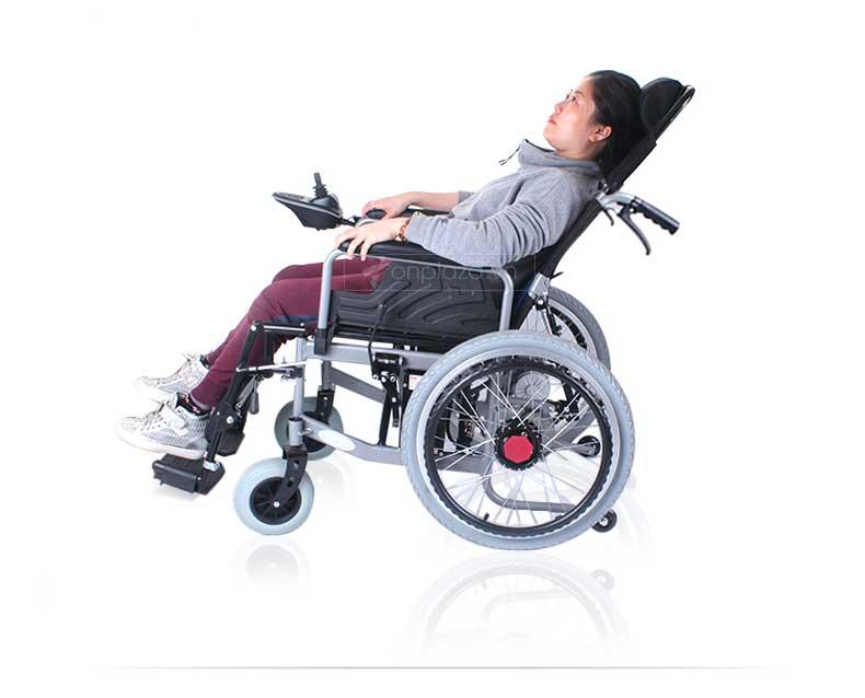 nên sử dụng xe lăn nào cho người khuyết tật