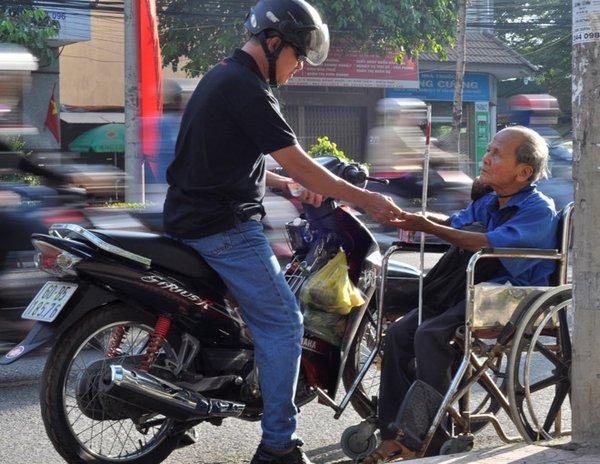 tấm gương người khuyết tật và nghị lực và nghị lực vươn lên trong cuộc sống