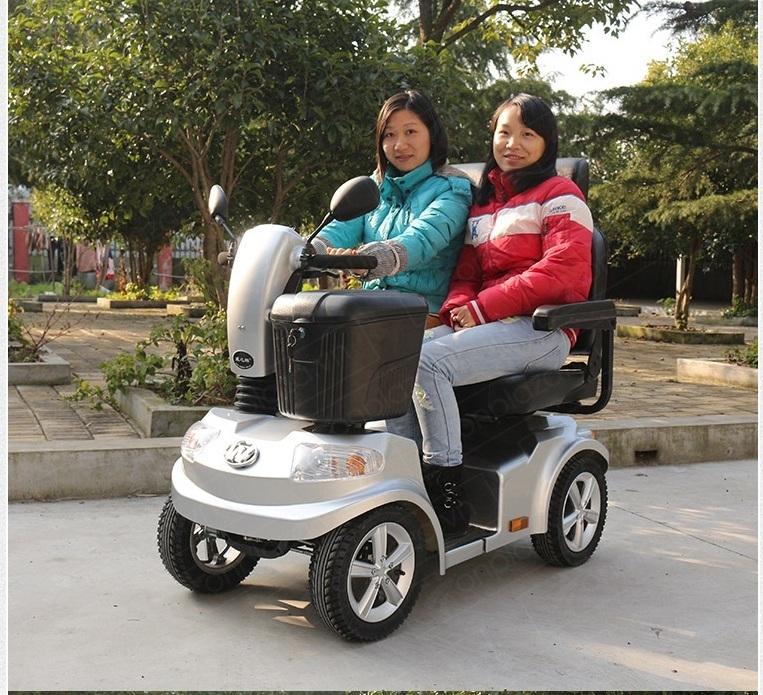 xe motor điện 4 bánh