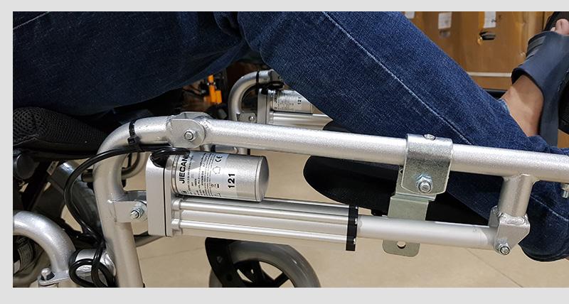 Xe lăn điện công nghệ mới tự động ngả nằm (vành đúc) TM036D 6