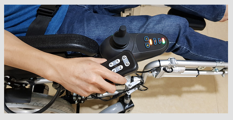 Xe lăn điện công nghệ mới tự động ngả nằm (vành đúc) TM036D 7