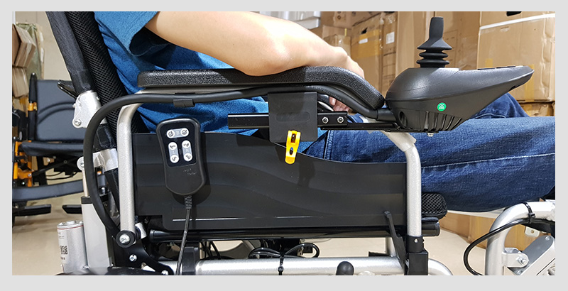 Xe lăn điện công nghệ mới tự động ngả nằm (vành đúc) TM036D 8