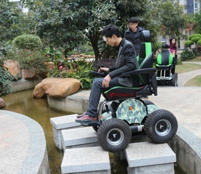 xe lăn điện thông minh leo bậc thang
