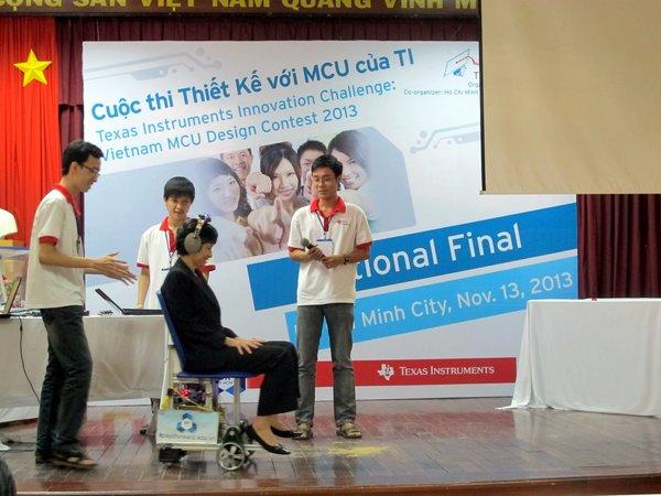 Xe lăn điều khiển bằng đầu từng được phát kiến tại Việt Nam