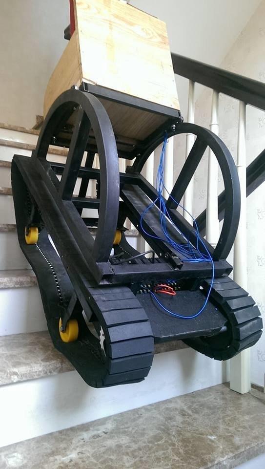 xe lăn vượt địa hình tiện lợi