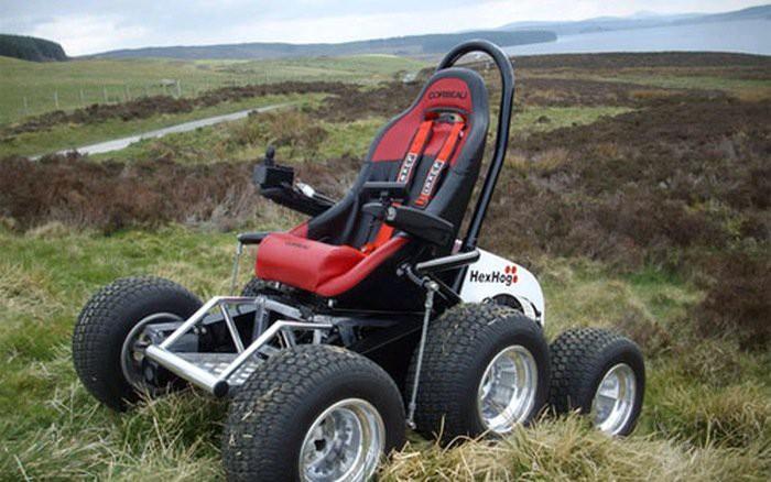 Độc đáo ý tưởng biến xe lăn thường thành xe lăn điện tại Mỹ